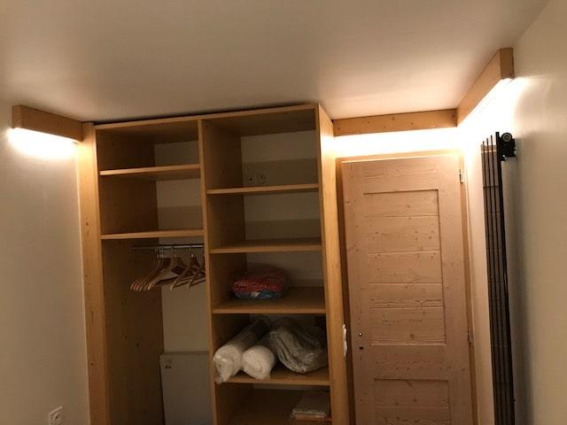 renovation-complete-chambre-armoire-porte-atelier-aubois
